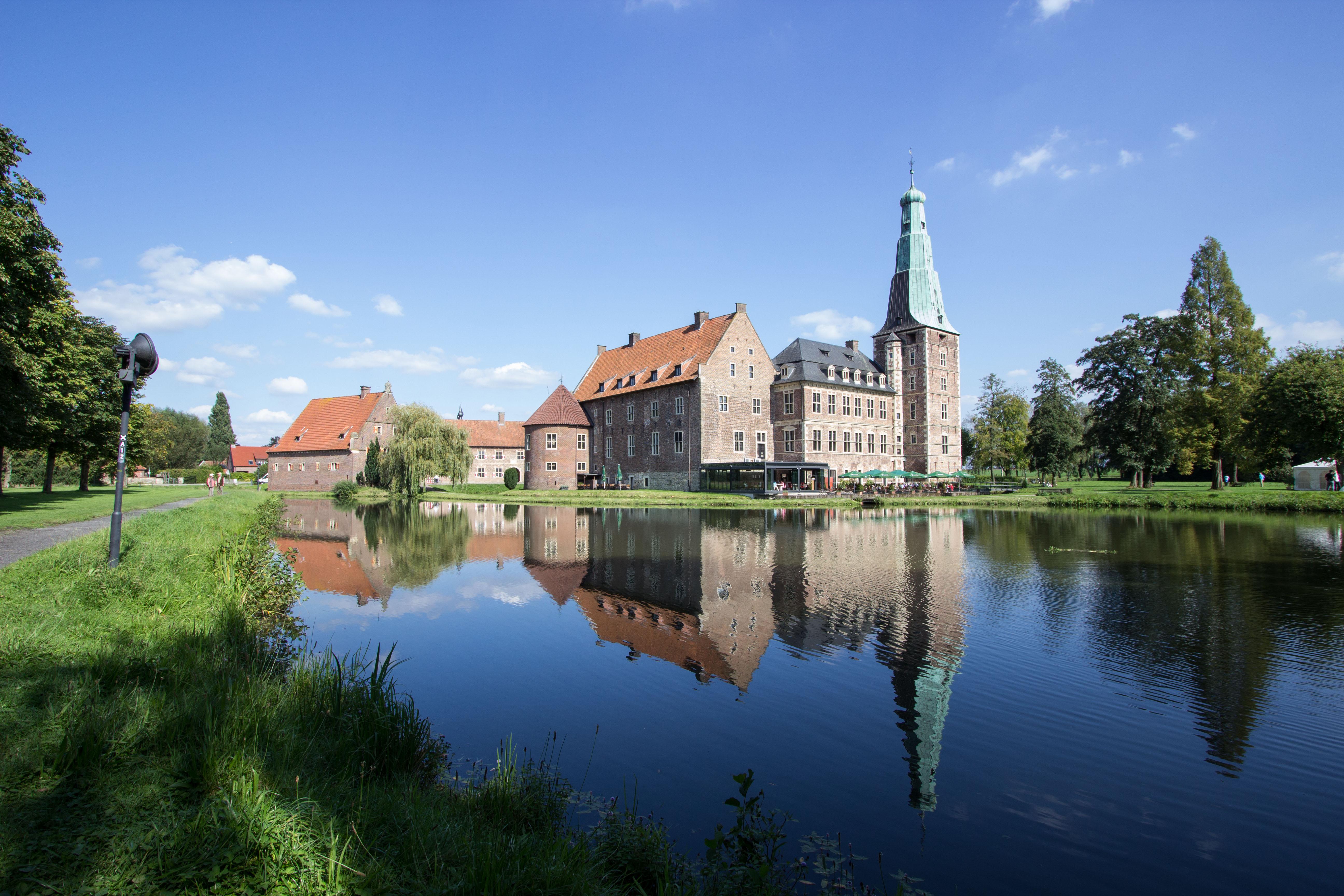 "Schloss Raesfeld – Das besondere Tagungshotel  im Naturpark ""Hohe Mark"""